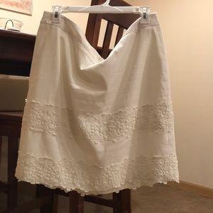 Lacy floral trim LOFT skirt
